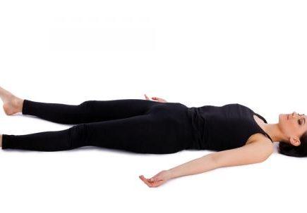 savasana postura cadaver meditacion
